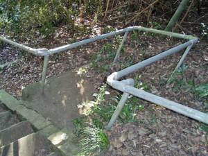 階段わき 休憩場